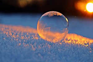 soap-bubble-afterglow-snow-winter-thumb.jpg
